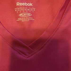 Reebok Other - Hot pink reebok workout top